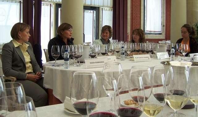 Premios Eva panel of female winemakers
